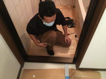 【浴室ドアを交換】