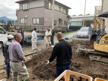 【隣地の下水管破壊で復旧工事】