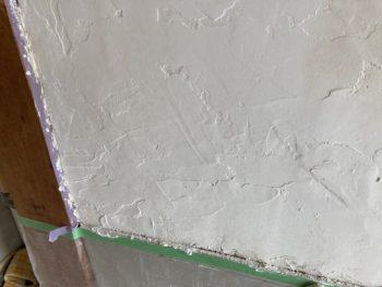 【漆喰をサンディングで平滑に】