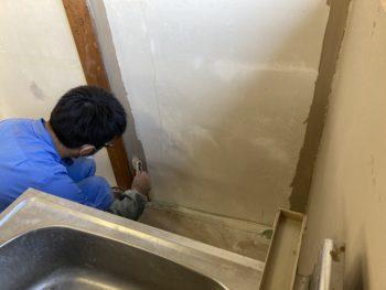 【壁のパテ、サンディング、塗装】