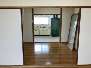 【アパート内装改修は上階より完成】