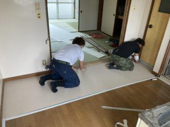 【床にクッションフロア貼り】