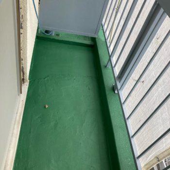 【ベランダに床防水塗料を塗装】