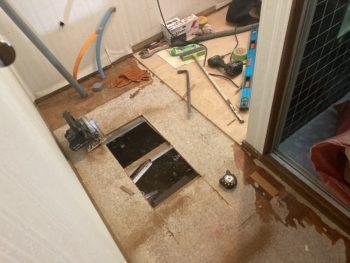 【浴室給水配管水漏れを交換】